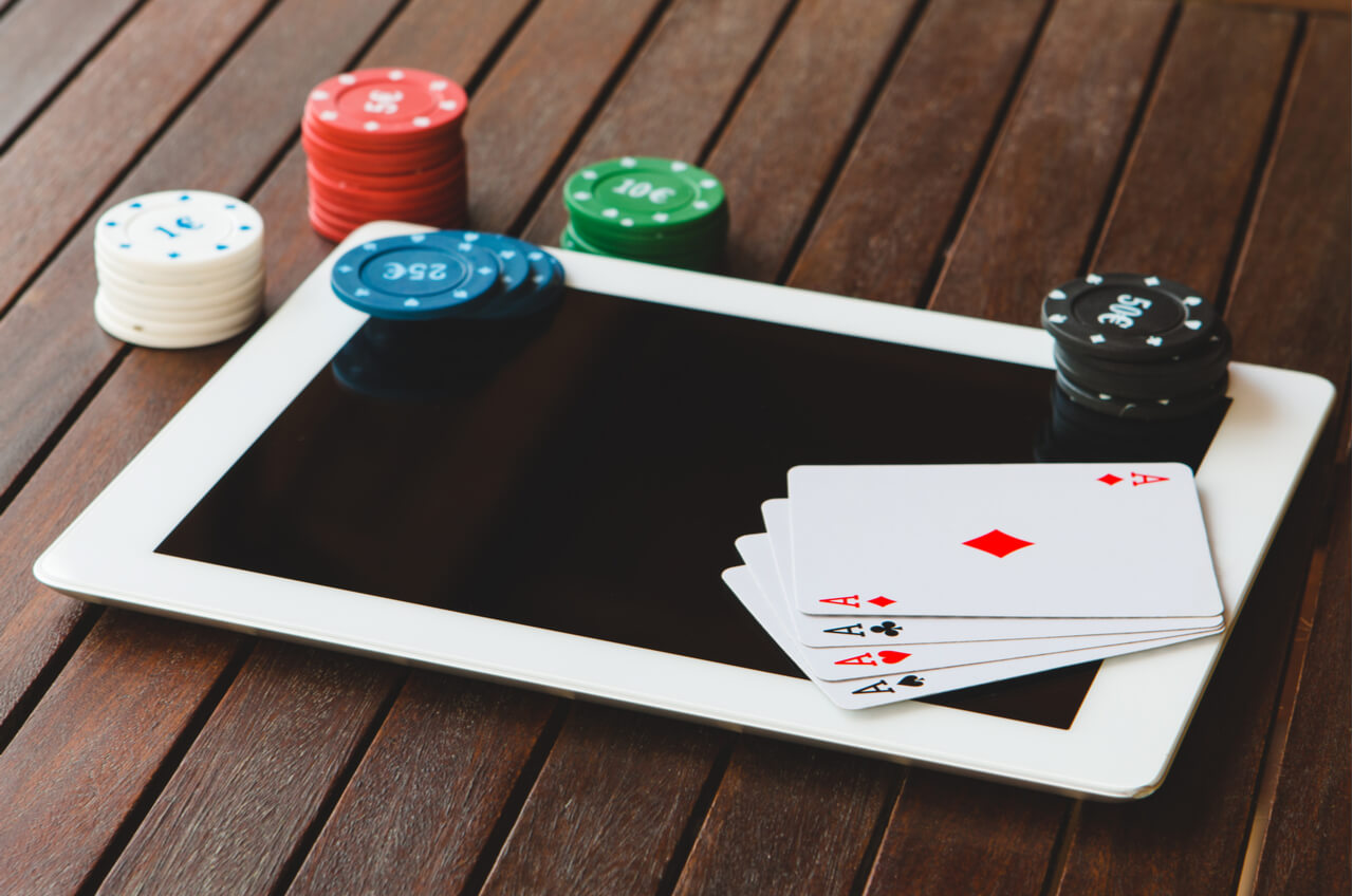 Why it is good to play slot games online